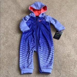 Nike therma baby girl hooded bodysuit